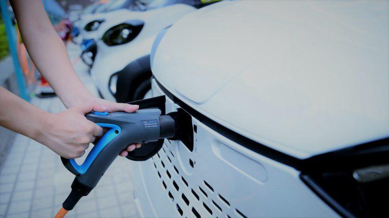 samsung-lucreaza-la-un-nou-tip-de-baterii-care-ar-putea-ajunge-pe-masini-electrice